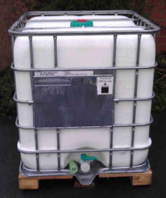 Regenwassertank 1000 Liter - UV Schutz weiss - 1ste Wahl - NW150 - DN50 auf Stahlpalette